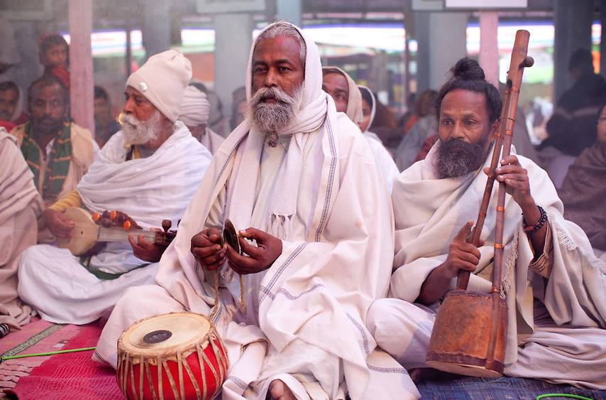 Bauls in Kushtia, Bangladesh performing  (Swiatoslaw Wojtkowiak Image)