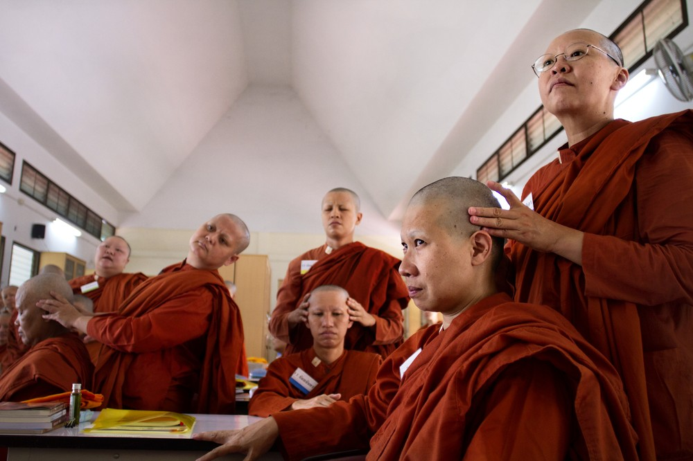 Thai Bhikkhuni's are often forced to stay in remote monastries - Google Images