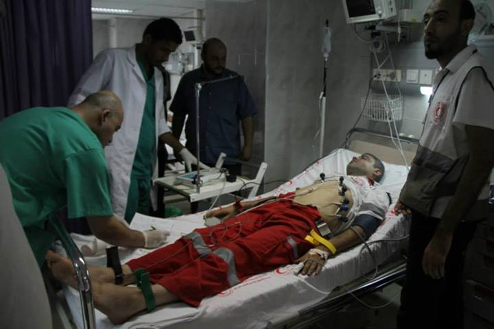 An injured Palestinian medic - Photo courtesy of 'Urgent from Gaza' Facebook page